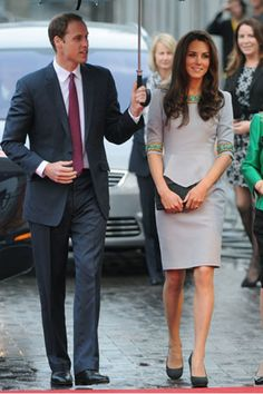 Kate Middleton wore Matthew Williamson for the premiere of Disney's African Cats, which she attended with Prince William. #katemiddleton