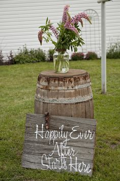 A sign for our wedding from my grandfather's old barn door. You could possibly contemplate Vintage Wedding Suits, Vintage Wedding Centerpieces, Candle Centerpieces, Wedding Decorations, Yard Wedding, Outside Wedding, Wedding Signs, Wedding Ideas, Primitive Wedding