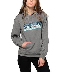 Get your shine on with a cozy and comfortable look in this fitted hoodie made with a soft fleece construction and fair isle print Diamond box logo at the front.