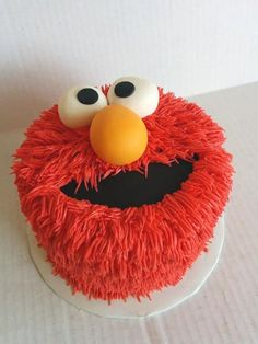 Elmo cake perfect for a and 3 birthday party kids will love it Elmo Cake. My 2 year old would LOVE this Elmo smash cake! Elmo birthday party for a girl, second bir… Bolo Elmo, Elmo Cake, Elmo Cupcakes, Boy Birthday Parties, Birthday Fun, 2nd Birthday Cake Boy, Birthday Ideas, Sesame Street Birthday Party Ideas, Birthday Banners