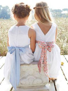 Robe de droite avec ceinture Liberty = petites filles d'honneur