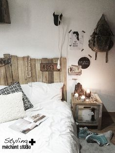 cant decide between vertical or horizontal pallet headboard