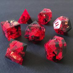 Dungens And Dragons, Dungeons And Dragons Dice, Cool Dnd Dice, Rpg Dice, Diy Resin Projects, Dragon Dies, Dnd Funny, Rings N Things, Gremlins