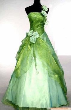 Beautiful! I love this idea, but would want it shorter and the bottom altered and have it be as bridesmaids dresses.