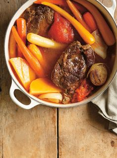 Pot-au-feu de boeuf à la tomate... i leave out the meat and like it just as well... add bay leaf and white wine and a pat of butter :)