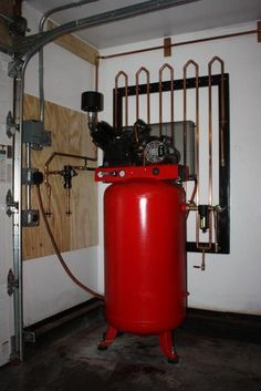Compressor condensing manifold, cools the air so you can pull the water out, essential for oil based paint spraying.
