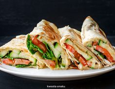 Wraps with hummus, grilled zucccini and tomatos Vegetarian Recipes, Snack Recipes, Dinner Recipes, Cooking Recipes, Healthy Recipes, No Cook Appetizers, Dinner Dishes, Other Recipes, My Favorite Food