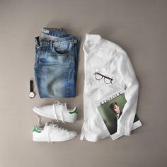 """8,591 Me gusta, 53 comentarios - Phil Cohen (@thepacman82) en Instagram: """"Soaking up the summer. ___ Oxford: @alexmillny Watch: @uniformwares Sneaker: @adidasoriginal Stan…"""""""