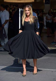 Sarah Jessica Parker se lance dans la petite robe noire                                                                                                                                                                                 Plus