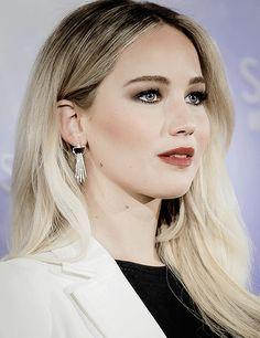 Jennifer Lawrence 11/30/16 in Spain