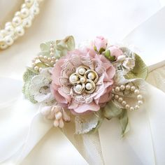 Bridal Sash Belt with Pink Flower and Vintage Pearls - Floral Wedding Dress Sash - Pearl Brooch - Corsage Mother of the Bride Shabby Chic Flowers, Lace Flowers, Fabric Flowers, Wedding Sash, Bridal Sash, Floral Wedding, Wedding Rings, Flower Corsage, Vintage Pearls