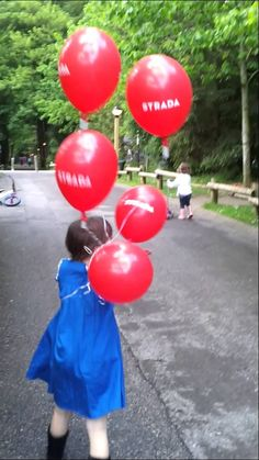 Sophie having a little sing and dance, with her balloons in tow. Family Video, Balloons, Singing, Dance, Videos, Dancing, Globes, Balloon, Hot Air Balloons