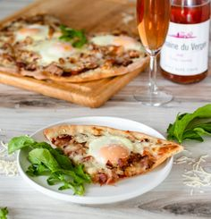 Bacon and Egg Pizza | DIVERSE DINNERS Egg Pizza, Wheat Pizza Dough, Canning Diced Tomatoes, Thick Cut Bacon, Cracked Egg, Frozen Pizza, Flatbread Pizza, Thin Crust