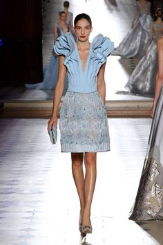 See all the Collection photos from Tony Ward Autumn/Winter 2017 Couture now on British Vogue Tony Ward, Style Couture, Couture Fashion, Runway Fashion, Punk Fashion, Lolita Fashion, High Fashion, Womens Fashion, Emo Dresses