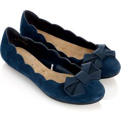 Accessorize Anna Scallop Edge Ballerinas ($30) ❤ liked on Polyvore featuring shoes, flats, sapatos, blue, zapatos, navy, ballerina flats, blue flats, blue shoes and navy flats