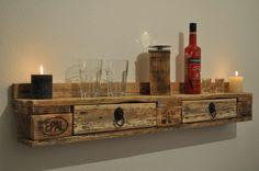 Palettenmöbel - Wandregal von Woody Paletten Design auf DaWanda.com