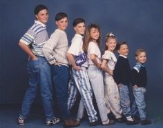 """Ah, yes, the """"Put your hands in your back pockets and staircase formation"""" pose #awkwardfamilyphotos"""