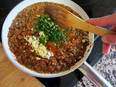 Lasagna de casă - cea mai bună rețetă... Și cât de bine arată! - Bucatarul Pan Cooking, Cooking Recipes, Pasta Dishes, Food Dishes, Dishes Recipes, Mai, Rice, Beef, Crafts