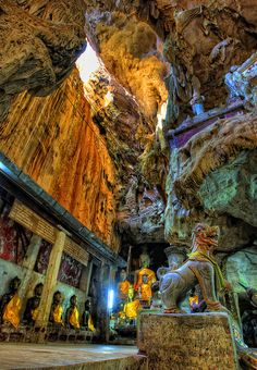 Chiang Dao Cave, Thailand