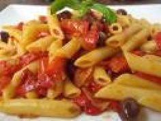 Ricetta Penne con melanzane, peperoni e salsiccia