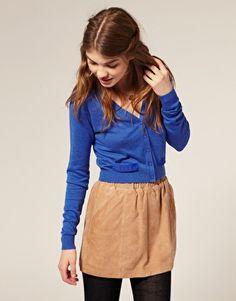 ooo cardigan tucked in a skirt, good idea
