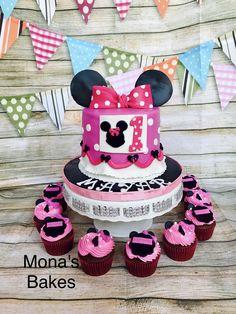 Mini mouse Cake & cupcakes