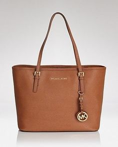 It's shopping season!! :) <3 Similar ones for $85 at @SPARKTREND, click the image to see! #womens #fashion #handbags #handbag #purses #purse