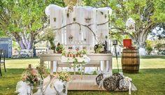 Wedding Planner con más de 10 años de experiencia en Querétaro. Servicio de bBanquete, organización, logística y decoración para tu boda.