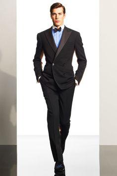 Ralph Lauren Fall 2010 Menswear Fashion Show Dapper Gentleman, Gentleman Style, Vogue Paris, Grey Suit Men, Ralph Lauren, Mens Fashion Suits, Mannequins, Well Dressed, Fashion Show
