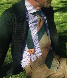 Tie, braces/suspenders and shirt by @howardsparis  #Elegance #Fashion #Menfashion #Menstyle #Luxury #Dapper #Class #Sartorial #Style #Cardigan #Lookcool #Trendy #Bespoke #Dandy #Classy #Awesome #Amazing #Tailoring #Stylishmen #Gentlemanstyle #Gent #Outfit #TimelessElegance #Charming #Apparel #Clothing #Elegant #Instafashion