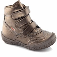 Froddo girls bronze ankle boot with three velcro straps Fall Winter, Autumn, Childrens Shoes, Velcro Straps, Kid Shoes, Hiking Boots, Bronze, Ankle, Sneakers