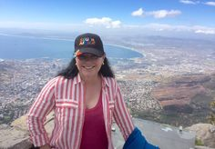 More DG in South Africa, The Artemis, Cameo, Finale Script et Fini - Outlander Behind the Scenes Diana Gabaldon Outlander, Outlander Series, Jaime Fraser, Moody Blues, Jamie And Claire, Behind The Scenes, Captain Hat, Authors, Table Mountain