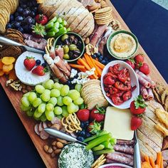 Did you know we can tailor make you a package to suit your budget?  Not everyone can go all out on props, our focus is always on the food first and making sure your guest won't go hungry.  So if you have a budget let us know and we will do our very best to give you an amazing grazing board or table that will blow your guests away!  DM or email us at thatgrazinglife@gmail.com for more information.  #thatgrazinglife #grazingtablemelbourne #melbournegrazingtablesandboards #melbournegrazing…