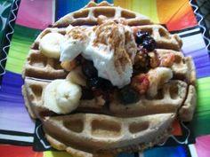 buckwheat waffles via www.createwholehealth.com Real Food Recipes, Healthy Recipes, Healthy Food, Buckwheat Waffles, Omelette, Health And Wellness, Oatmeal, Berries, Treats