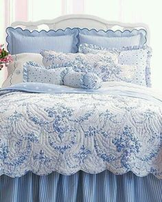 Beautiful bedding makes your bedroom truly welcoming. Blue Rooms, Blue Bedroom, White Rooms, Bedroom Decor, Bedroom Ideas, Bedroom Furniture, Bedroom Bed, Furniture Ideas, Shabby Chic Bedrooms