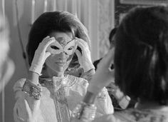 Lee Radziwill preparing for the Black and White Ball