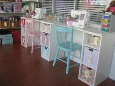 Sewing Craft Room Design Style with White Wooden Sewing Table and . Ikea Sewing Rooms, Vintage Sewing Rooms, Sewing Desk, Sewing Spaces, My Sewing Room, Sewing Tables, Sewing Room Decor, Sewing Room Design, Craft Room Design