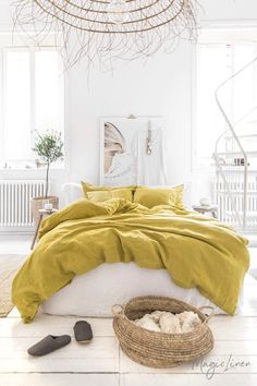 Refresh your bed with our linen duvet set in moss yellow. Duvet cover and two pillowcases. Washed Linen Duvet Cover, Bed Linen Sets, Bed Sets, Duvet Sets, Duvet Cover Sets, Yellow Bed Linen, Yellow Bedding Sets, White Bedding, Cool Beds