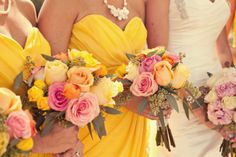 warmth. Taylor and Mark's wedding flowers. flowers: Darlins Flowers. via: Love and Lavender
