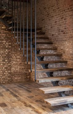 staircase space ideas that turn into functional space 18 Railing Design, Stair Railing, Staircase Design, Interior Stairs, Home Interior Design, Interior Decorating, Loft Stairs, House Stairs, Modern Staircase