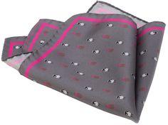 POCHETTE PECORELLE  Pochette stampata in twill di seta 100% Dimensione in cm: 30×30  Prodotto Made in Italy