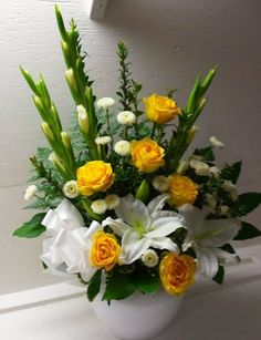 The Undermined Importance of Flowers - Send Flowers Online Funeral Floral Arrangements, Rose Flower Arrangements, Flower Arrangement Designs, Flower Centerpieces, Flower Vases, Flower Designs, Flower Pots, Home Flowers, Church Flowers