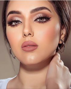 Fab makeup, perfection - beauty make up - Maquillaje Perfect Makeup, Gorgeous Makeup, Pretty Makeup, Glam Makeup, Beauty Makeup, Hair Makeup, Nude Makeup, Pink Lipstick Makeup, Neutral Eye Makeup