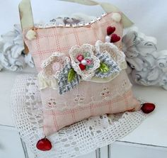 Cute idea for vintage ring pillow..