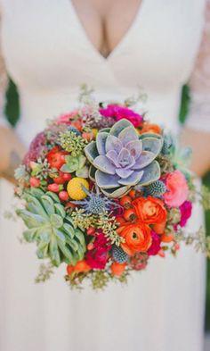 Bouquet rotondo super colorato! Ph Brian Evans #bouquet #wedding #bride
