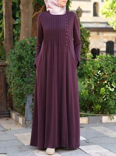 Side Pleated Abaya - After-Eid Sale - Women Niqab Fashion, Modern Hijab Fashion, Fashion Dresses, Mode Abaya, Mode Hijab, Modest Dresses, Modest Outfits, Simple Abaya Designs, Burqa Designs