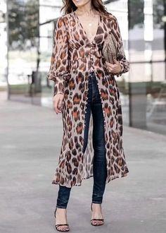 Compre Vestido Longo Estampado com Botão na Frente   UFashionShop Next Fashion, Over 50 Womens Fashion, Summer Fashion Outfits, Fashion Pants, Fashion Dresses, Girl Dress Patterns, Kurta Designs, College Outfits, Long Tops