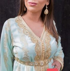 Morrocan Kaftan, Caftan Dress, Moroccan Style, Traditional Dresses, Pretty Outfits, Glamour, Style Inspiration, Wedding Dresses, Womens Fashion
