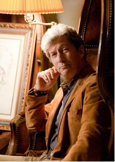 From @World of Snark with Charles Shaughnessy as Alistair A. Kinglake. World of Snark Dragons. Unicorns. Flying Monkeys. Travel the globe with amateur crypto-naturalist Alistair Kinglake as he introduces you to the habits & habitats of the imaginary wildlife you've loved all your life.