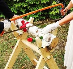 Hochzeits-Baumstamm sägen als Komplett Set - PORTOFREI - inkl. Säge-Bock, Bügelsäge, Stamm aus Holz, Handschuhe - ein beliebtes Hochzeitsspiel für das Brautpaar galleryy.net http://www.amazon.de/dp/B008KLLIIO/ref=cm_sw_r_pi_dp_QZQVtb16B5X36PQX